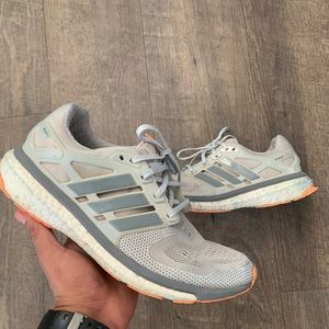 🔥Cute ADIDAS energy boost shoes 🔥